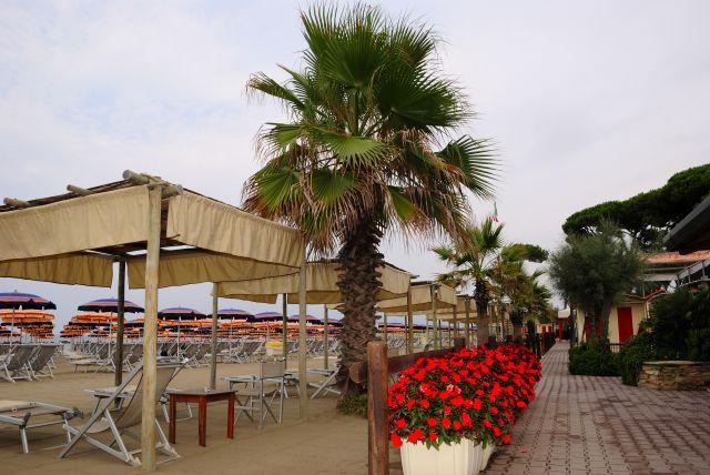 Bagno La Cicala: Tel: 0585.634754